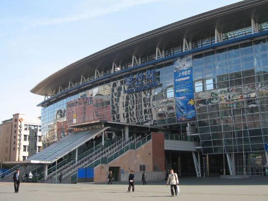 http://www.squarehe.com/images/0704/busan-stn-day.jpg